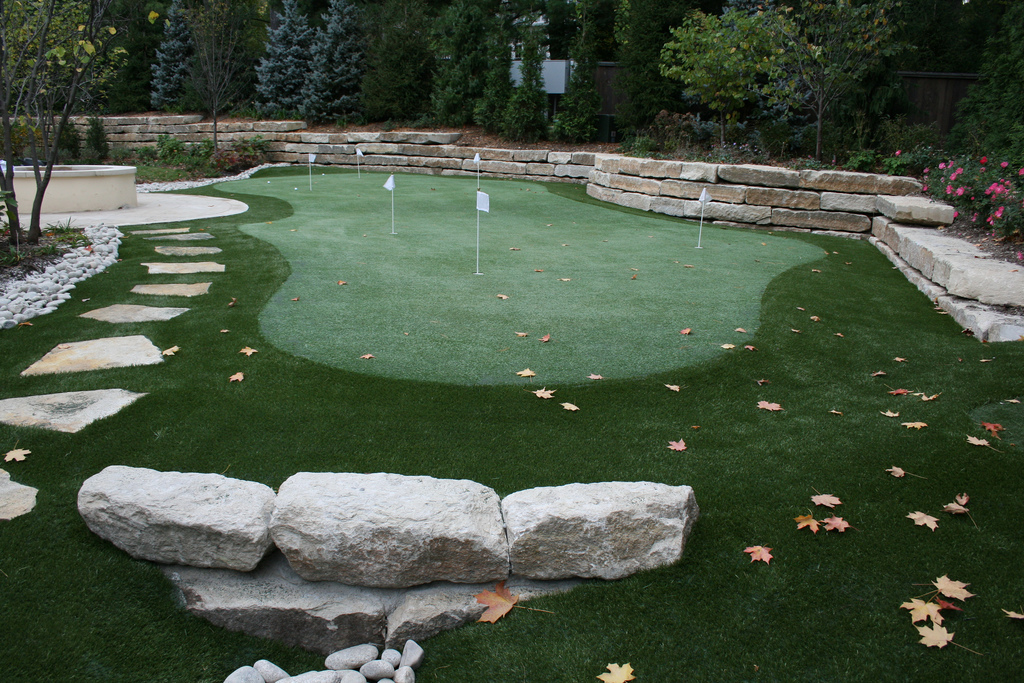 Artificial Putting Greens for your backyard